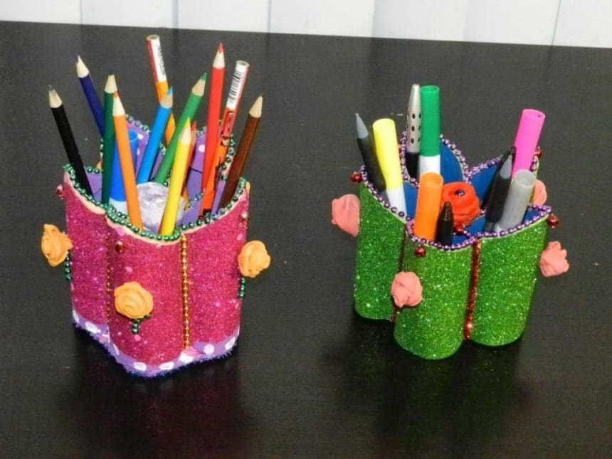 Flower Shaped Pen Stand Simple Craft Ideas