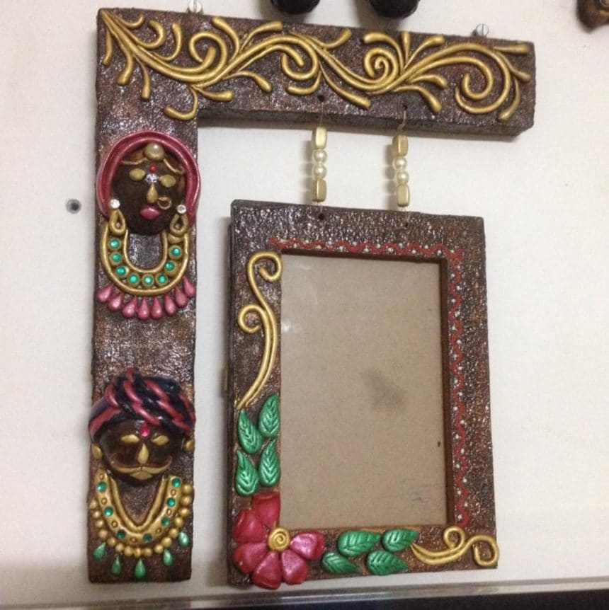 A New Design Of Hanging Photo Frame Simple Craft Ideas
