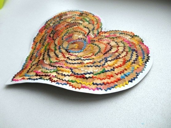 Hearts from waste material simple craft ideas for Waste material ideas