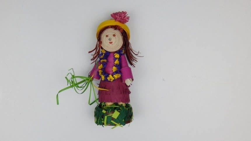3D Quilling doll - Girl in autumn