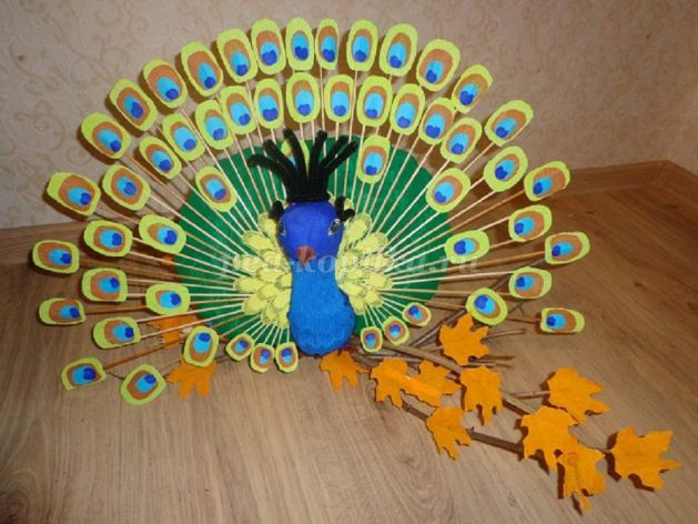 How To Make Peacock From Corrugated Paper