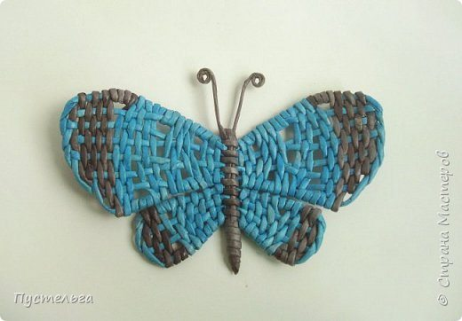 How to make butterfly from newspaper tubes