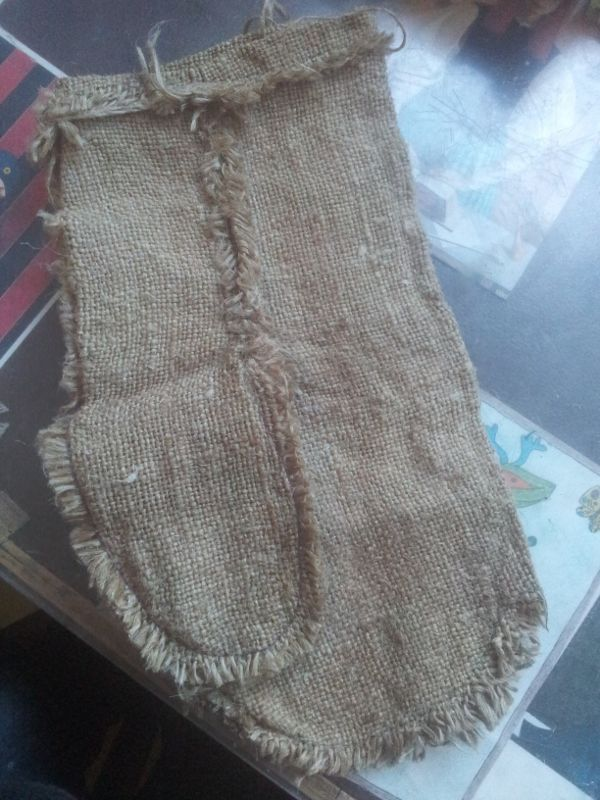 How to make embroidered burlap bag simple craft ideas for Burlap bag craft ideas