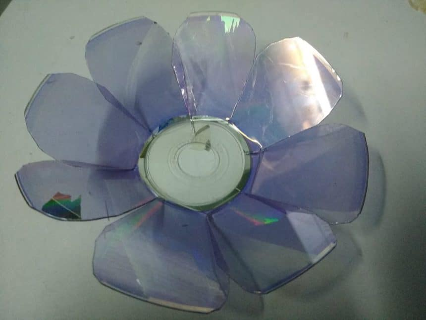 How to make butterfly and flower from waste cd simple for Decorative items from waste cd