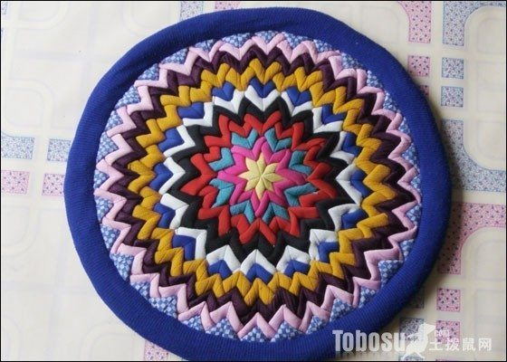 Clever Use Of Old Clothes Diy Patchwork Cushion Simple Craft Ideas