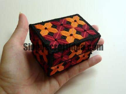 Miniature casket made ​​of plastic canvas