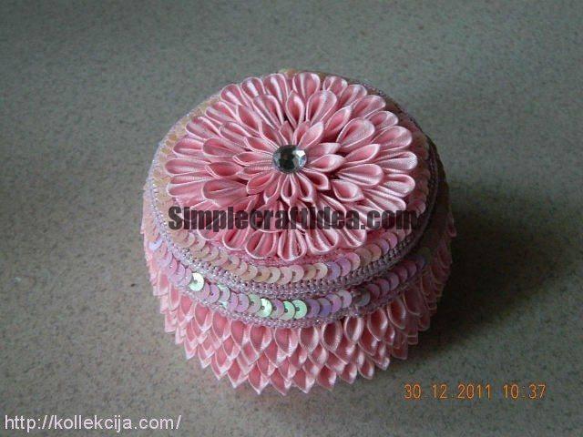 Ribbon flower casket