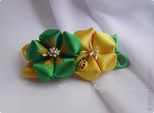 Hair clips with flowers