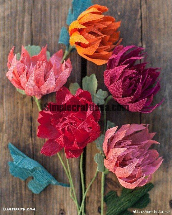 Paper flowers of crepe paper