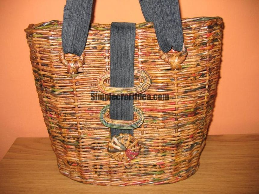 Handbags from newspapers