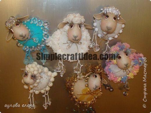 Lamb magnets of yarn and nylon