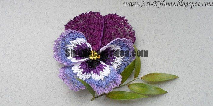 Quilling pansy flower