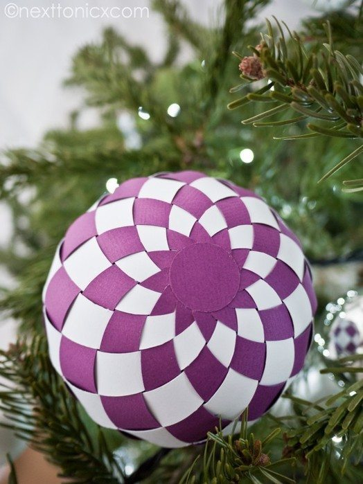 Woven Paper Baubles Simple Craft Ideas
