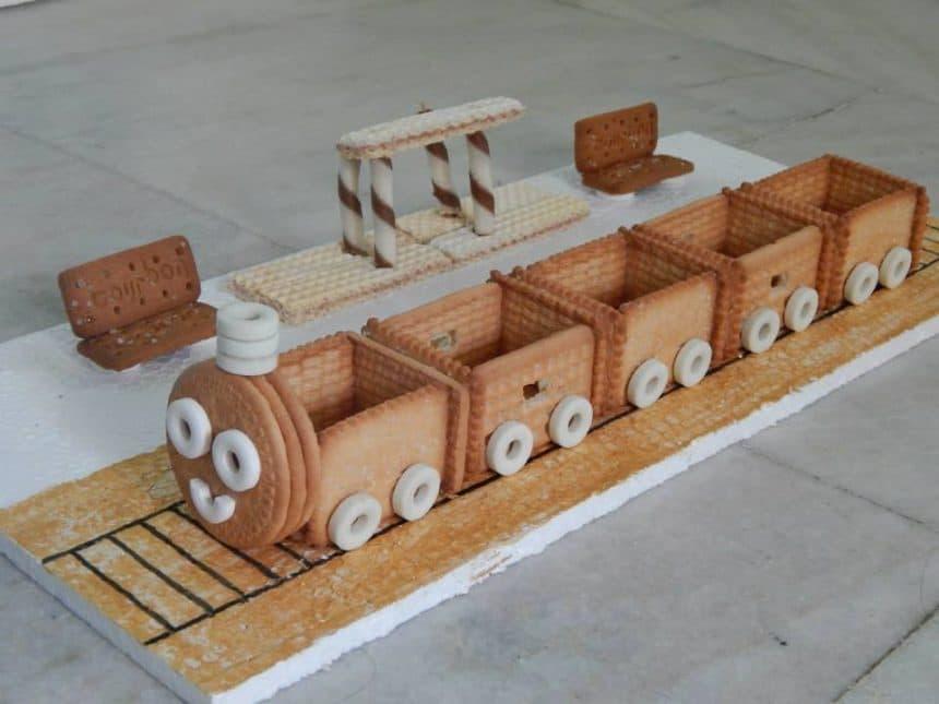Biscuit Train Simple Craft Ideas