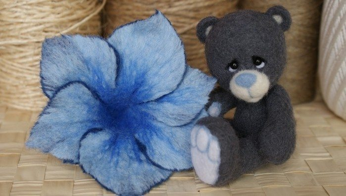 Flowers In The Technique Wet Felting Wool Simple Craft Ideas