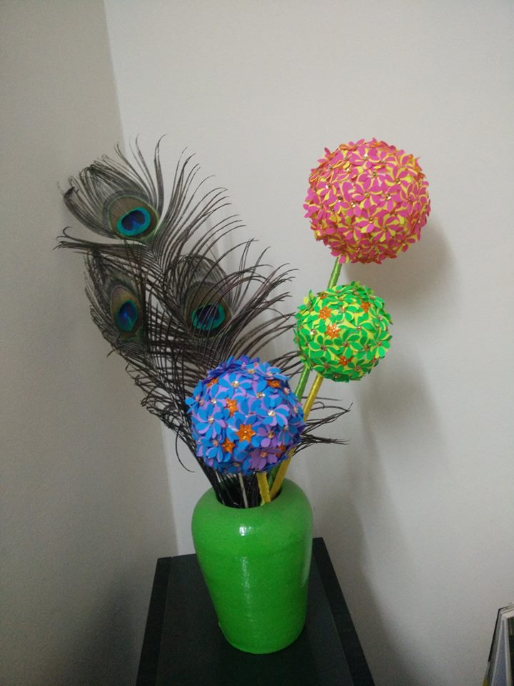 Flower Ball Using Craft Punch Simple Craft Ideas