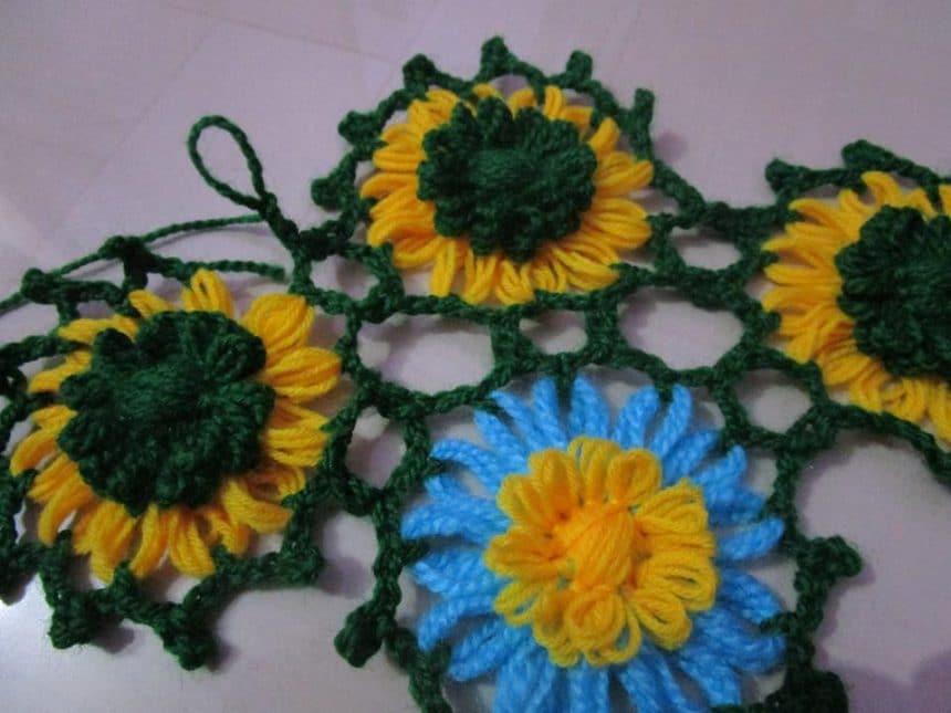 CV-MCLOT49457597440-Sarees-Cloths_Clours_n_Threads-Craftsvilla_1
