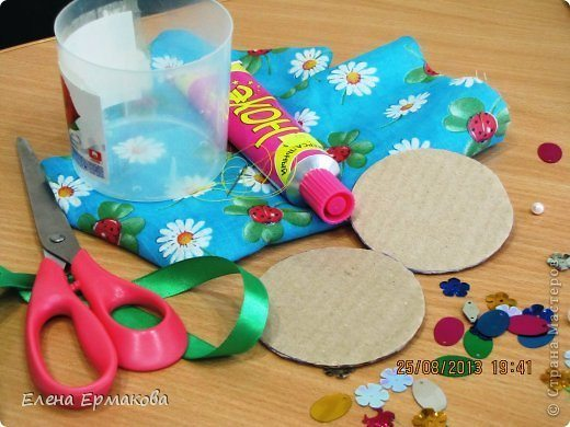 Make plastic cups and plastic bottles organizers(100)