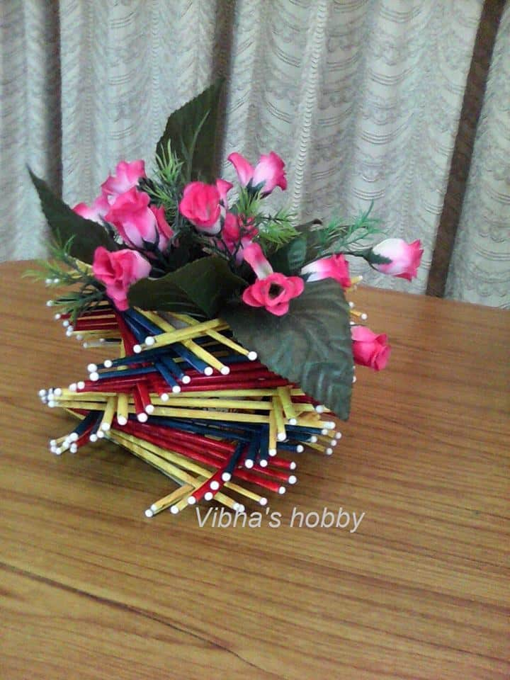 How To Make Vase From Newspaper Tube Simple Craft Ideas