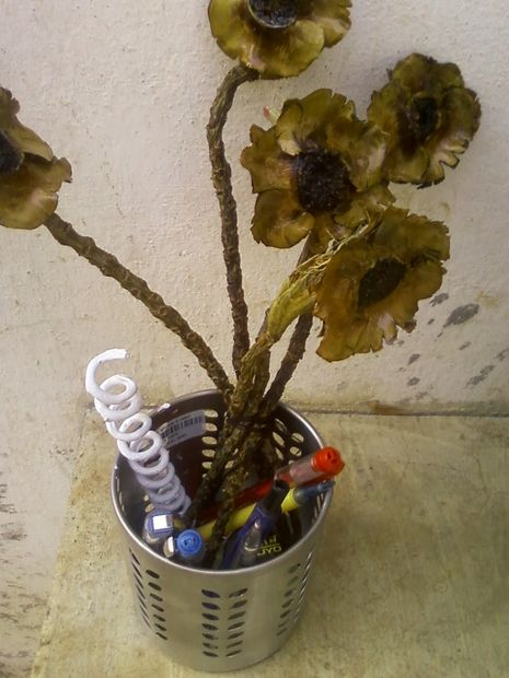 how to make flower from coconut waste