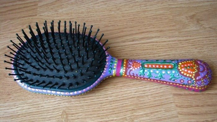 colorize old hairbrush