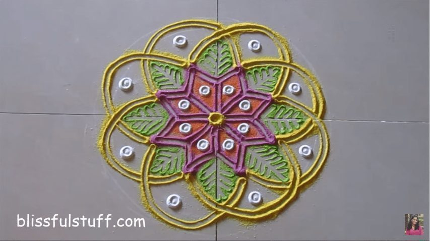 flower-shaped-rangoli-10