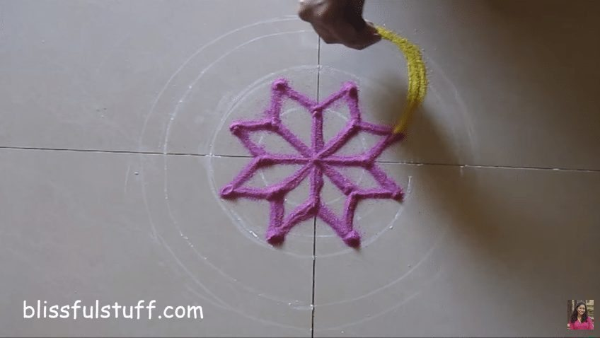 flower-shaped-rangoli-3