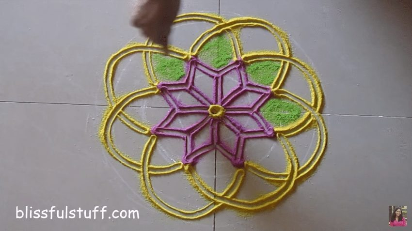 flower-shaped-rangoli-5