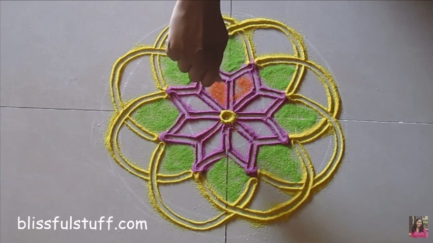 flower-shaped-rangoli-6