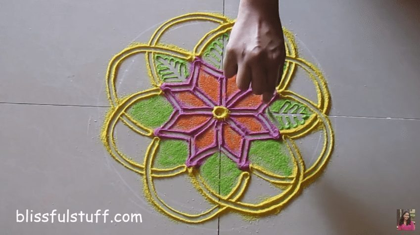 flower-shaped-rangoli-7
