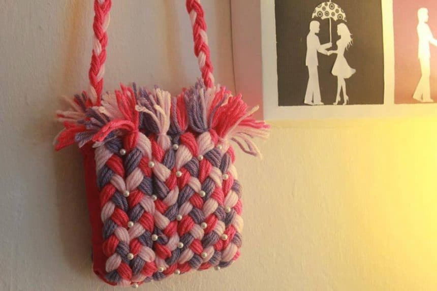purse-using-yarn