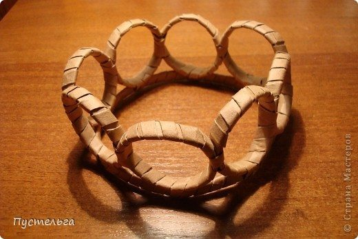 basket from newspaper tube