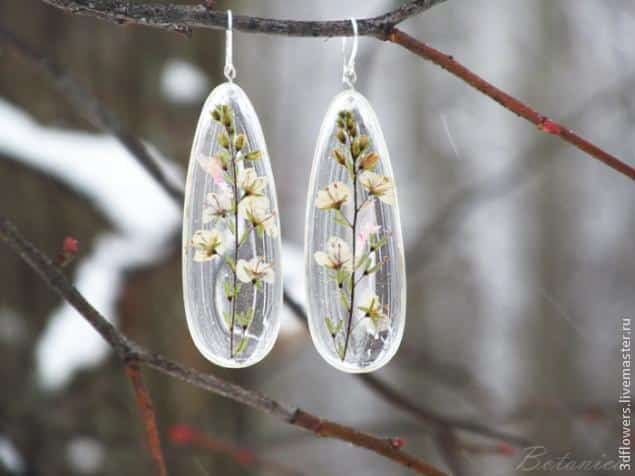 How to make transparent jewelry