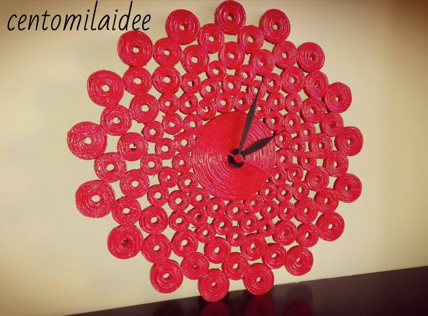 Wall clock with paper straws