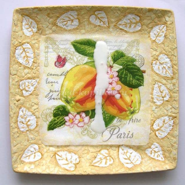 plates with eggshell