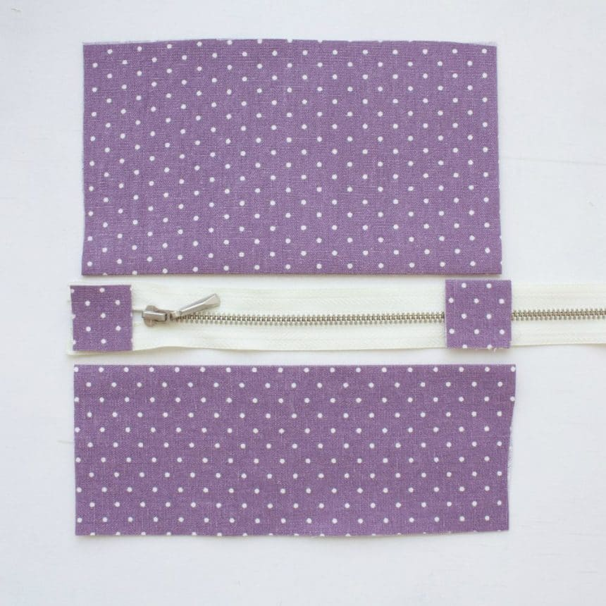 simple and convenient holder with a zipper