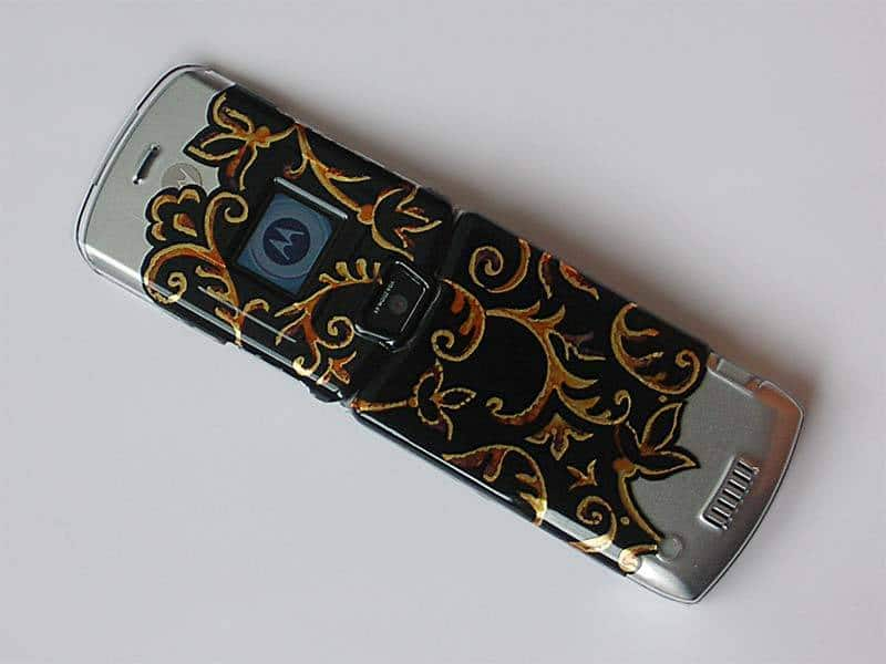 RE-STYLE YOUR CELL PHONE