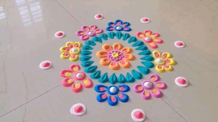 flower vase craft ideas with Simple And Easy Rangoli Designs on Make Silk Thread Necklace likewise Simple And Easy Rangoli Designs further Diy Paper Craft Home Decor Ideas as well Different Types Frocks Designs 13 as well Make Bag Old Jeans.
