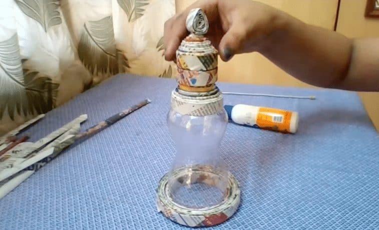 How to make newspaper lantern