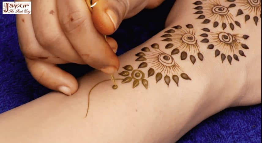 Henna Mehndi New Design : New latest henna mehndi designs for hands simple craft ideas