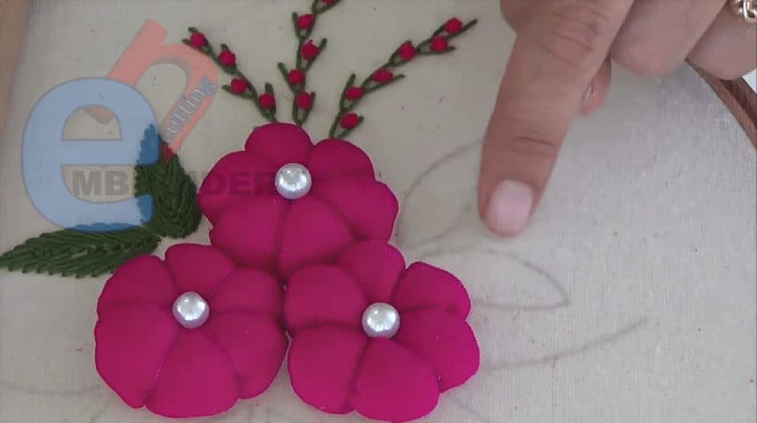 How to do 3D embroidery flower