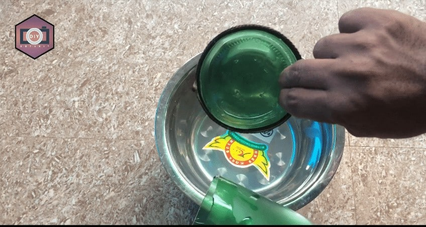 glass bottle using perfume spray