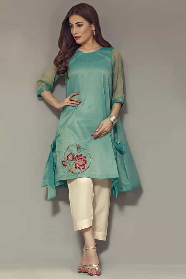 Beautiful hand embroidery design for kurti - Simple Craft Ideas