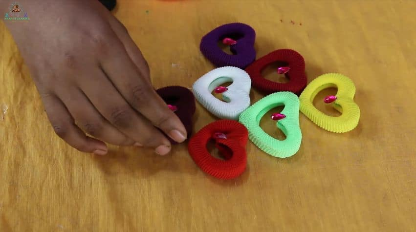 How To Make Wall Hanging From Hair Rubber Bands Simple