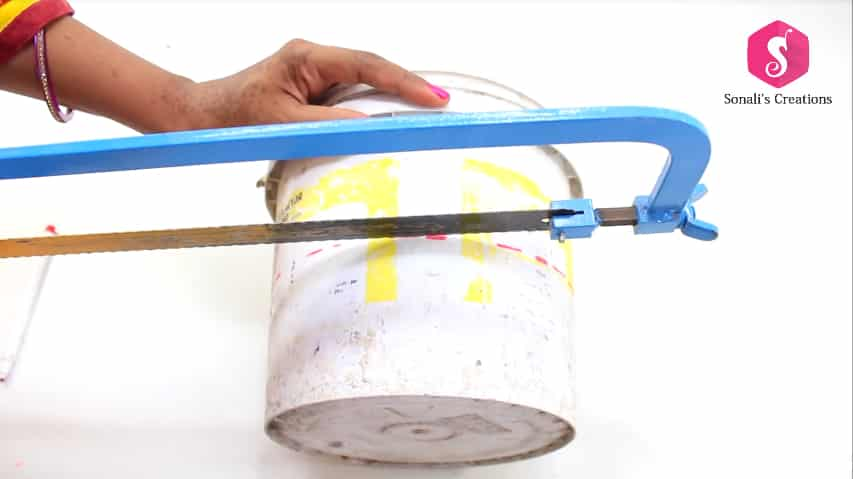 waste paint bucket