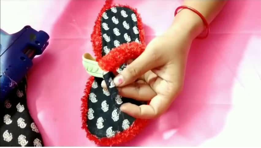 waste slipper decoration