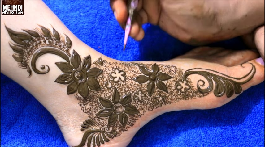 mehndi design for feet