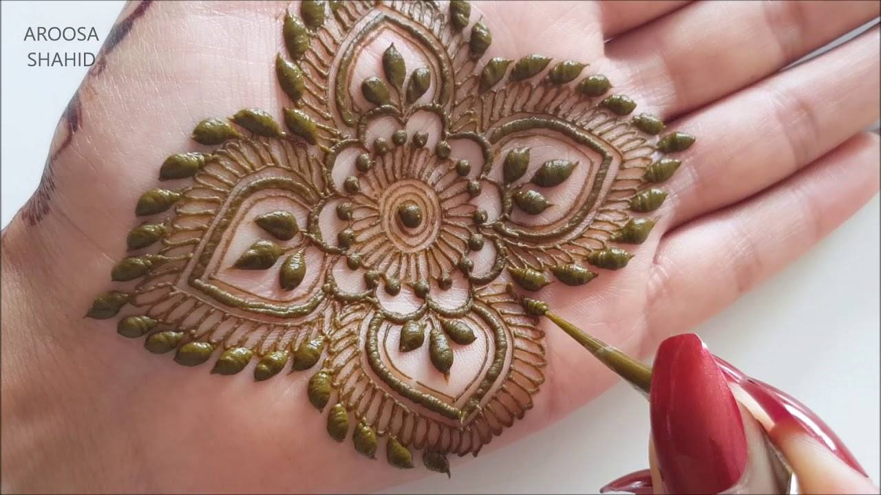 Intricate party henna design