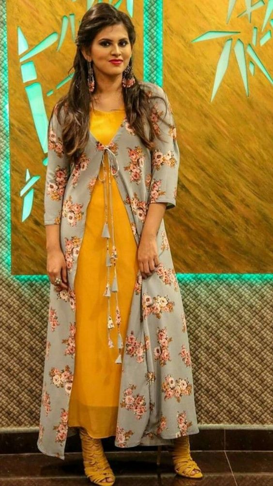 586ca0cd15 Do not you want some spice in your fashion world ??? Here are the 10 types  of best designers, Punjabi dresses to look beautiful at all times.