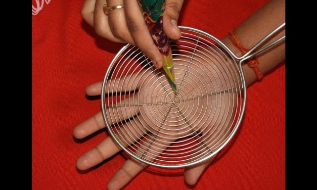 Simple mehndi design with the help of kitchen utensils